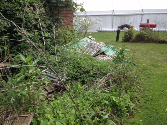 Unkempt gardens are ideal for rats to thrive in Rat Control Stratford-upon-Avon